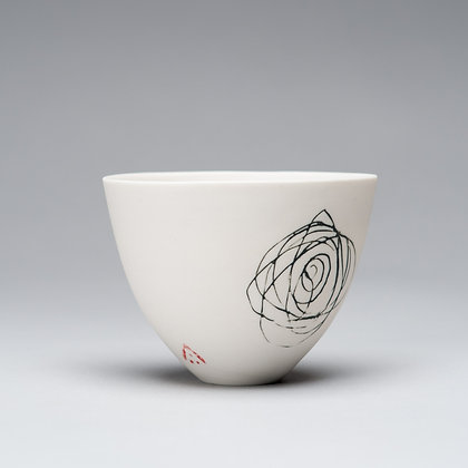 Small cup/bowl. Spiral scribble