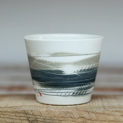 Small cup.Olive & black