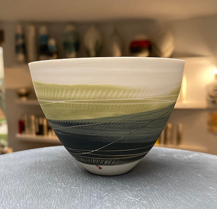 Small cup/bowl. Olive & dark green