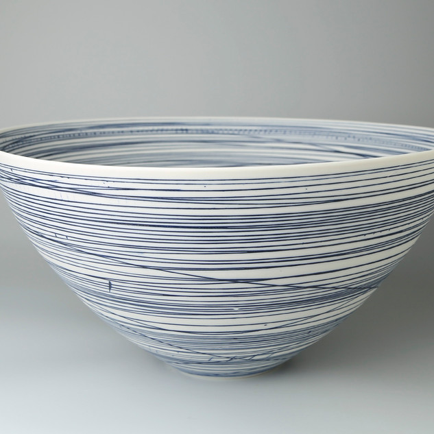 Rounded bowl. Blue lines