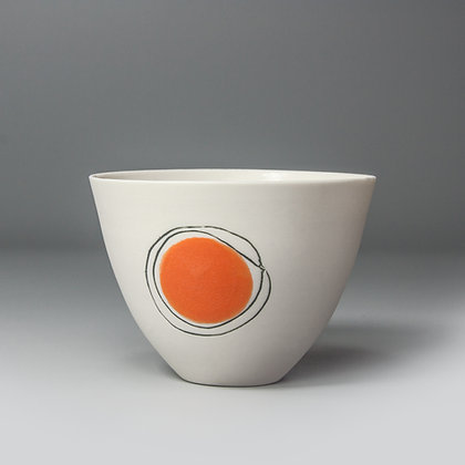 Small cup/bowl. Orange dot