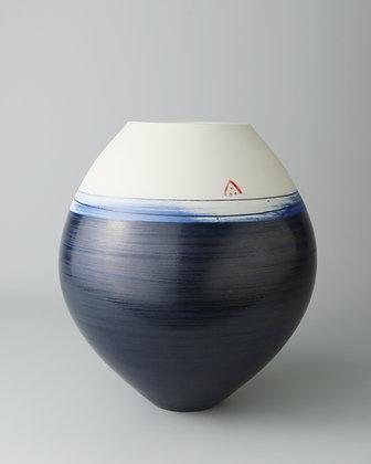 Spherical vase. Indigo