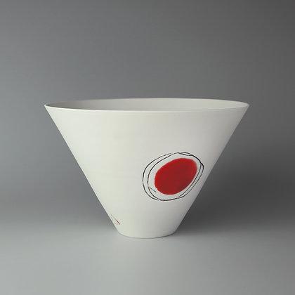 V bowl. Red dot