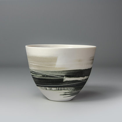 Small cup/bowl. Olive & black