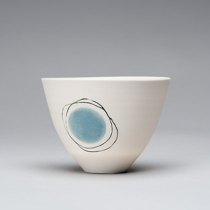 Small cup/bowl. Blue dot