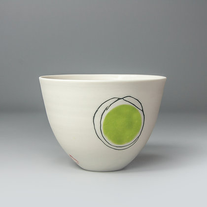 Small cup/bowl. Green dot