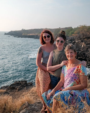 family in kona_JPG.webp
