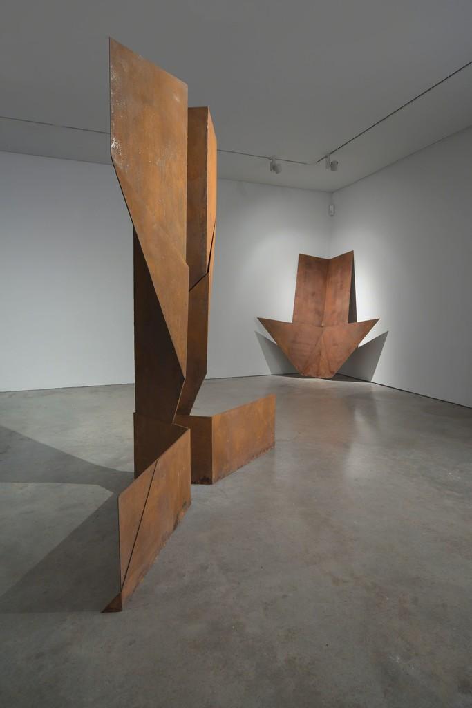Samuel Zealey - 'PLANES' - Installat