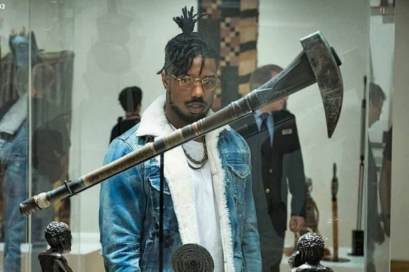 Killmonger visits a British museum and confronts the white curator about the origin of an artefact he comes across.