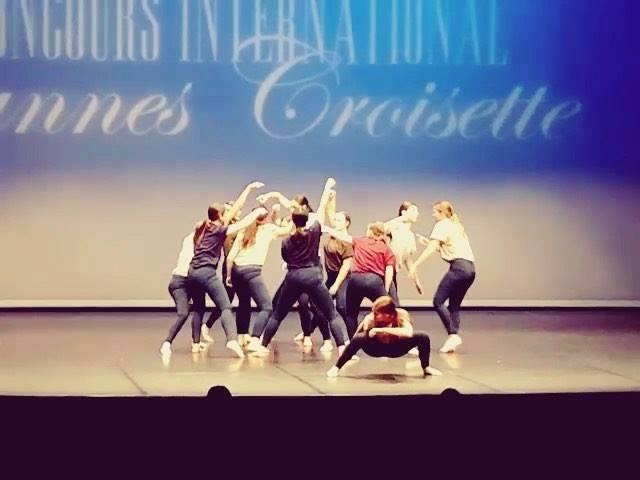 « Story Board » Médaille d'or au concours international de Cannes-Croisette 🏆🥇  Il faut continuer de travailler pour aller encore plus loin.  @centre_de_danse_artedanza  #choreography : @gerome_cristina  #music :  @vincentdelerm / #lesamantsparallele