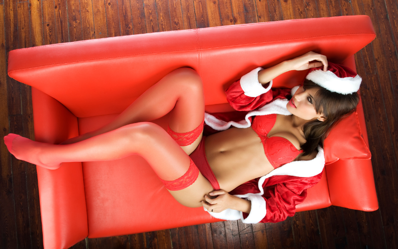 Having your family around and occupying your space while your lady looks sexy as hell with that sweet red Santas hat on can drive you crazy. Merry, merry - and hot as well | Merry Sex-Mas | Despite the Family Being All Around | Dating with Fawn | Philadelphia, PA, USA