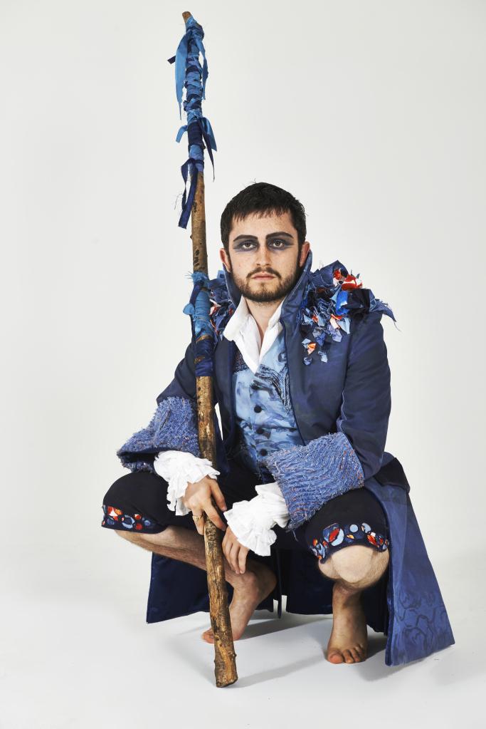 costumes-16-may0118