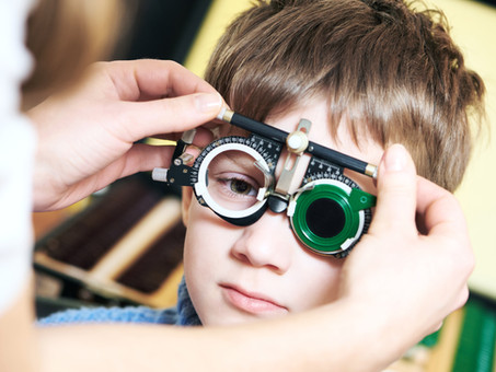 איך מתאימים משקפיים לילדים?