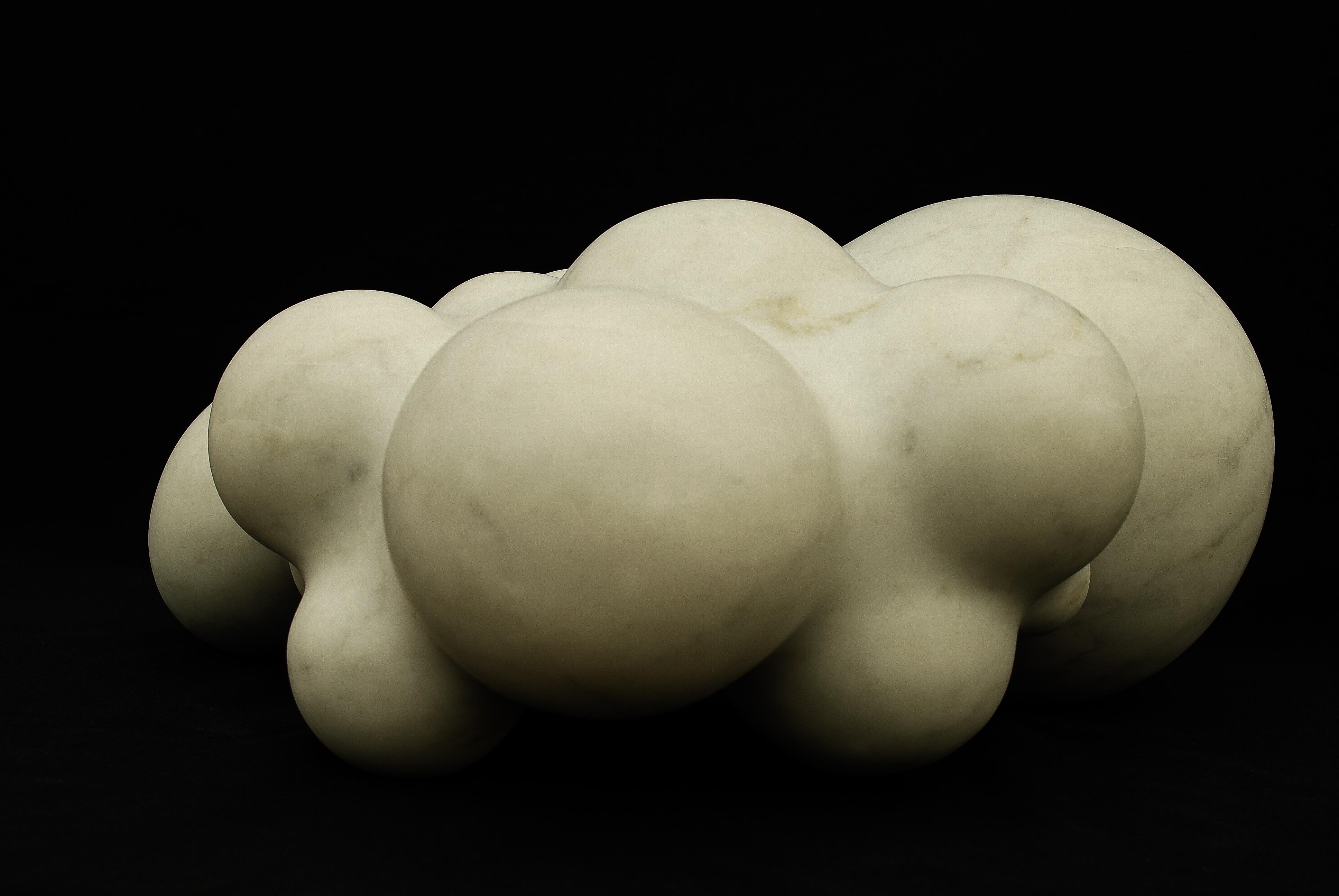 Regina Schnersch, Körper, 2014, Carrara Marmor, 35 x 35 x 17 cm