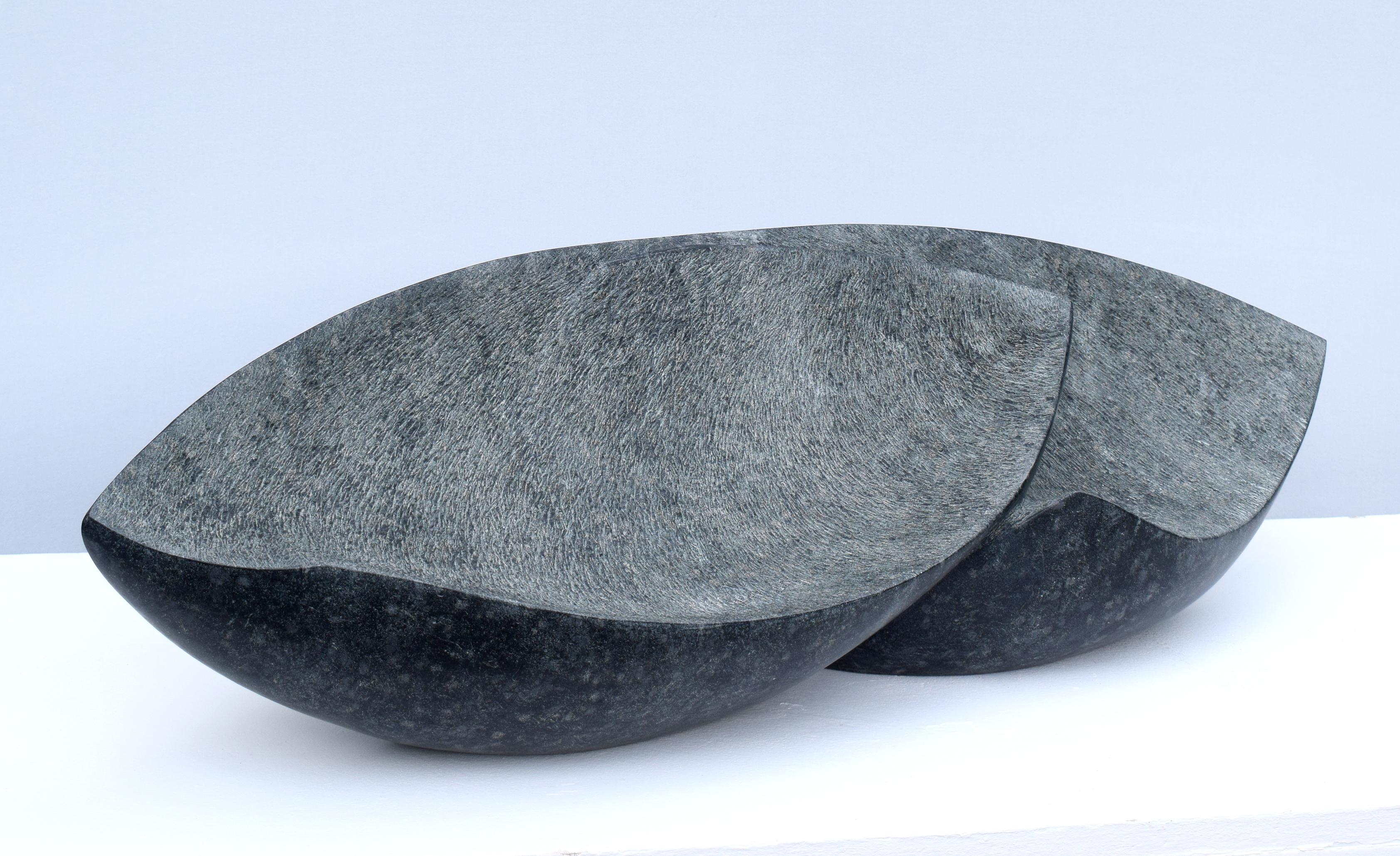 Regina Schnersch, Ohne Titel, 2020, Diabas, 90 x 25 x 25 cm