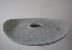 Regina Schnersch, Entfaltung, 2008, Serpentinit, 61 x 60 x 8 cm