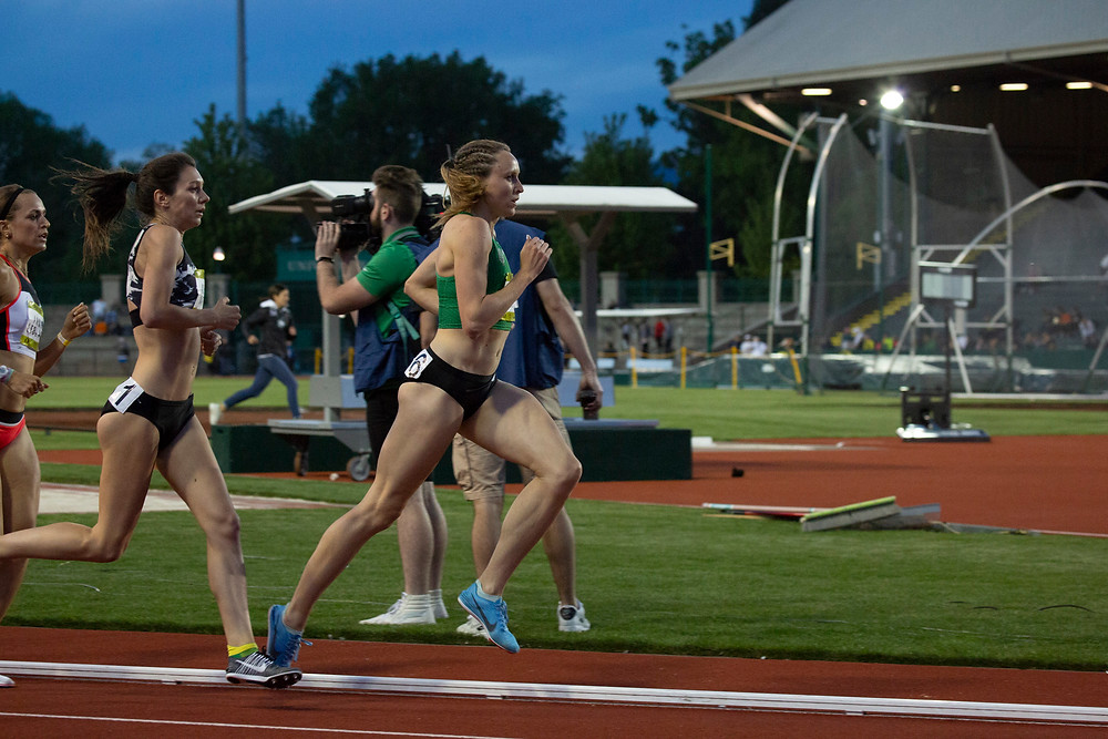 Hanna competing at UO Twilight