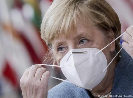 """Merkel busca acordar """"confinamiento suave"""" con los barones regionales"""