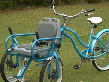 Crean una ''silla bicicleta'' que te permite dar paseos a otras personas