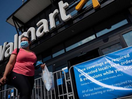Por qué Walmart está suavizando su exigencia de usar cubrebocas