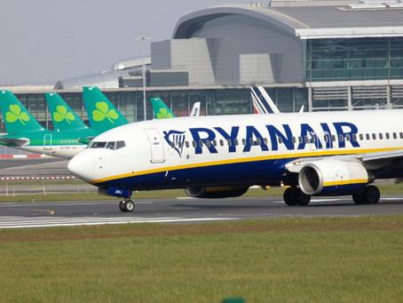 Ryanair planea suprimir hasta 3.000 puestos de trabajo