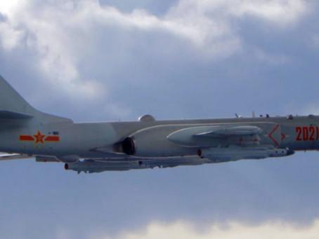 El régimen chino busca amedrentar a Taiwán sobrevolando su costa con aviones bombarderos