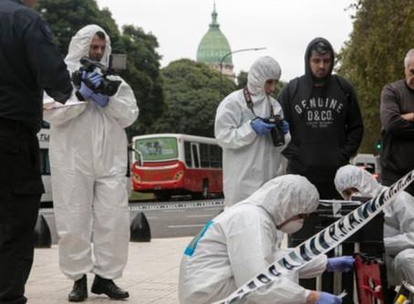 Balean en Argentina a un diputado frente al Congreso en Buenos Aires y muere su asesor