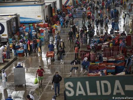Perú entra en recesión: se deploma 17% el PIB y desempleo sube a 8,8%