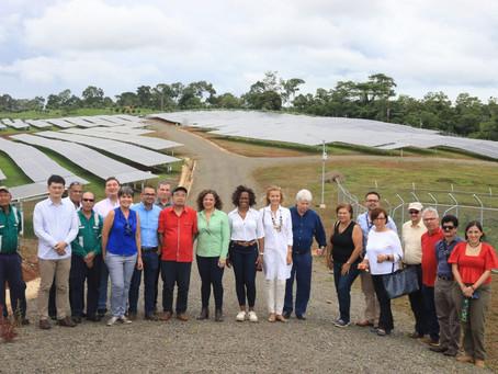 Con muestra de energías limpias, tecnología y talento humano Costa Rica Presenta a diplomáticos
