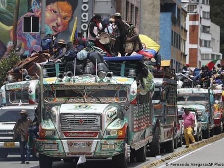 Multitudes apoyadas por minga indígena protestan contra Duque en Colombia