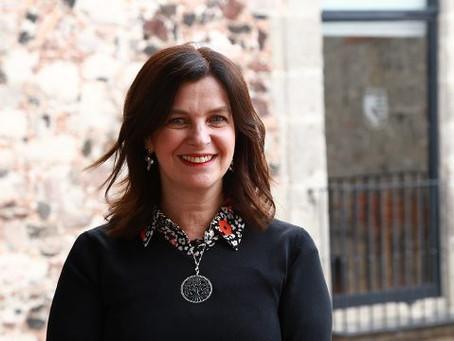 ¿Puede una mujer cambiar sola una organización entera?
