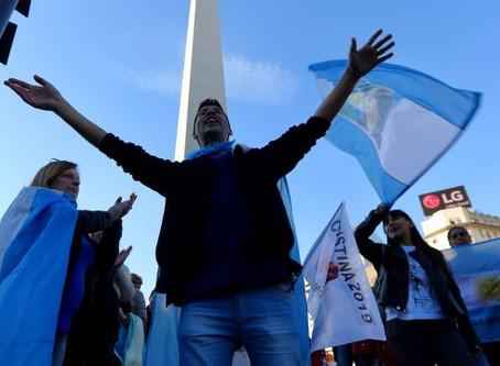 Qué consecuencias puede tener una crisis de divisa en Argentina