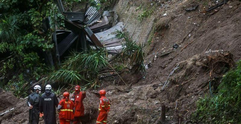 Deslizamiento de tierra en El Salvador deja al menos siete muertos