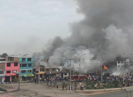 Villa el Salvador: Un muerto y más de 50 heridos deja explosión de camión con gas