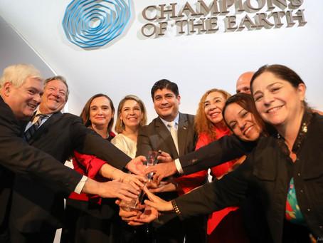 Costa Rica recibe máximo galardón ambiental honrando su legado y trabajando por el futuro