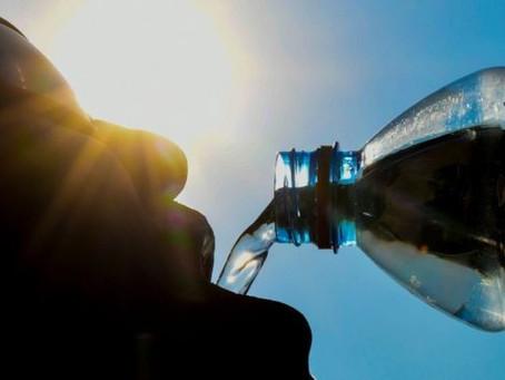 """Microplásticos: el informe de la OMS que dice que suponen un """"riesgo mínimo para la salud"""""""