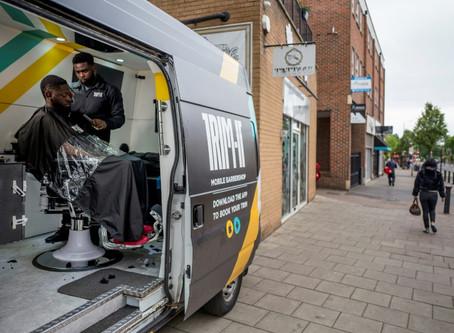 En Londres, una start-up lanza una peluquería sobre ruedas