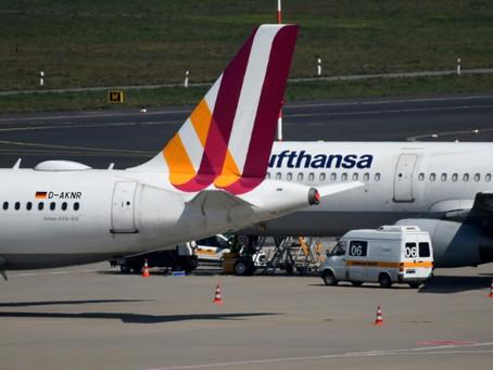 """La aerolínea Lufthansa pierde un millón de euros """"por hora"""" y necesita """"apoyo"""" público"""