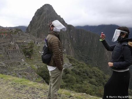 Perú busca vacunar a 24,5 millones de adultos