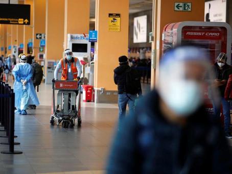 Perú supera los 900.000 casos coronavirus, restringen Halloween y cierran temporalmente cementerios