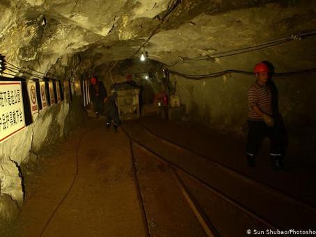 Veintidós mineros atrapados en mina de oro en China