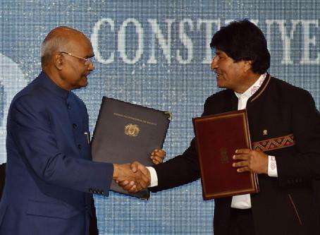 India concede crédito de USD 100 millones a Bolivia para desarrollar medicamentos contra el cáncer