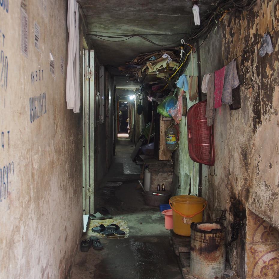 petit passage entre les batiments du vieux Hanoï