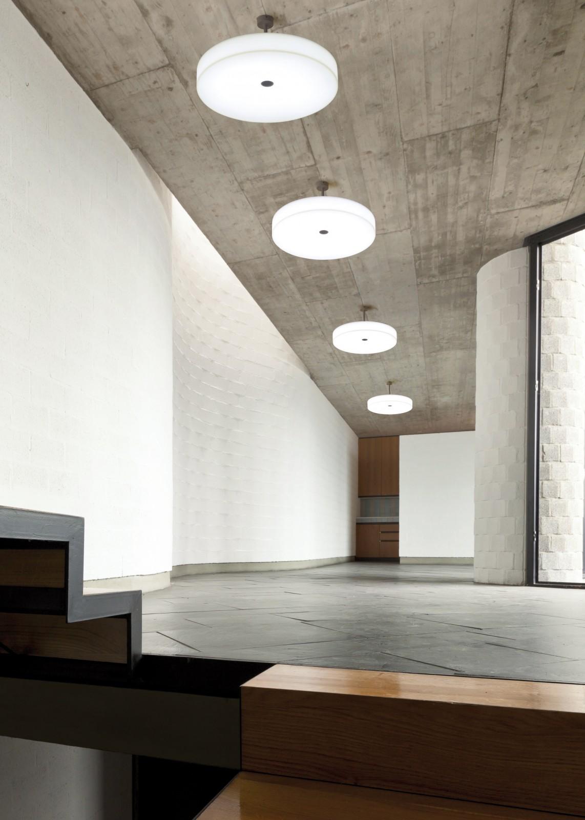 Molto-Luce-WallCeiling-White-Belt-4