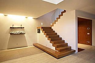 Escada-de-Madeira-Para-Casa.jpg