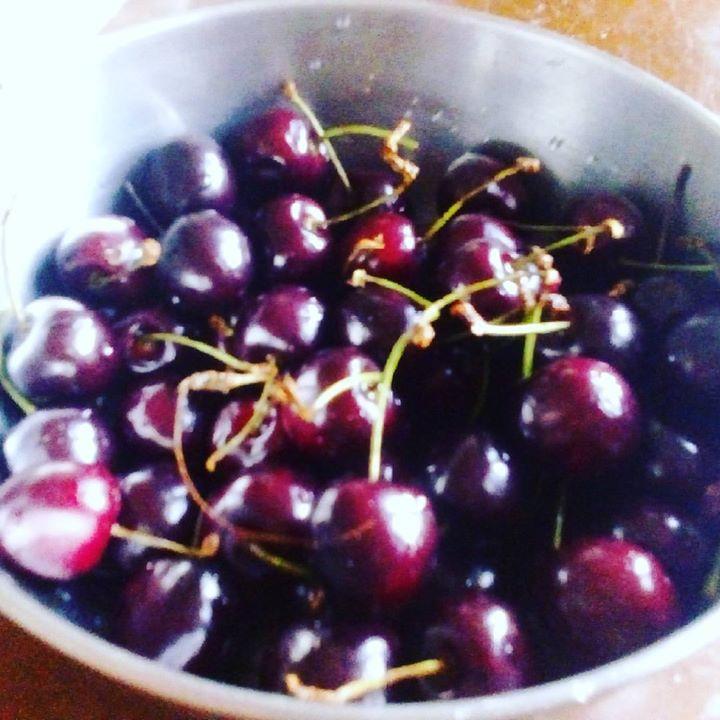 Mmmm cherry season 🍒 🌟 💋 ☺ 💟💪