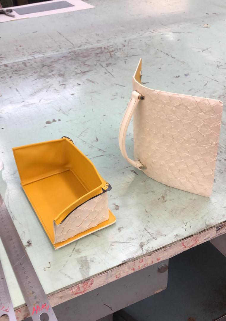 Handtaschen-in-Handarbeit-gefertigt-2.jp