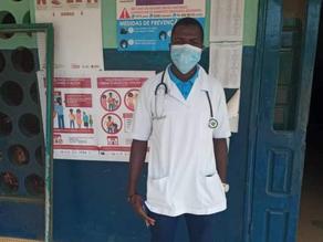 Llegada del Médico al Centro de Salud de Empada