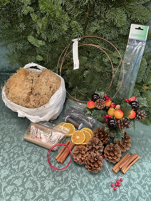 Traditional Mossed Wreath Kit