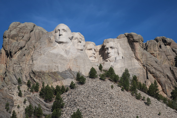 Day 13: Mt Rushmore, Crazy Horse, and Badlands